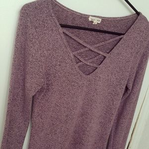 Fuzzy V-Neck (Front Cross) Lilac